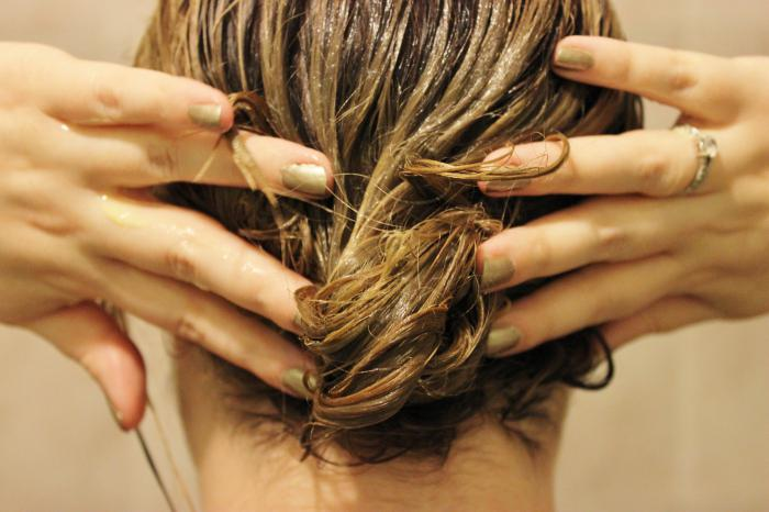 Как делать маски для волос касторовым маслом