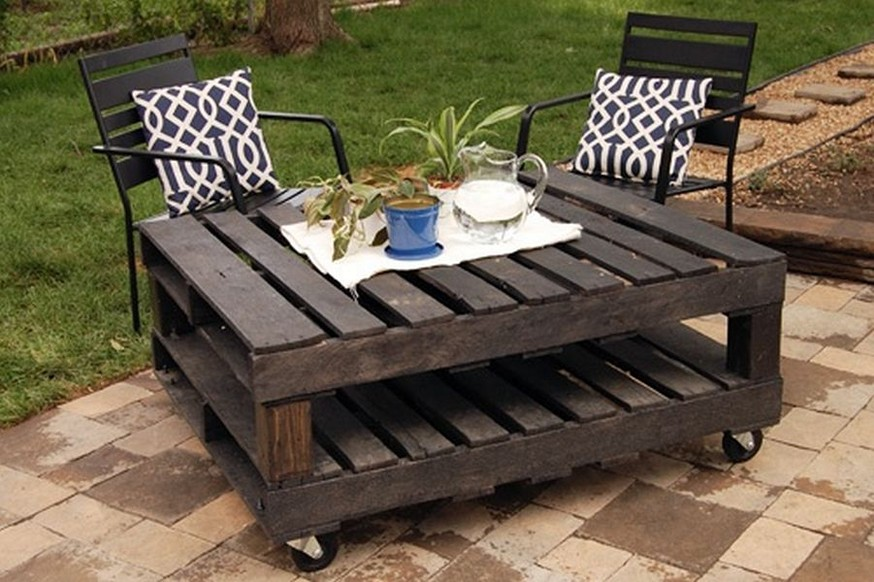 Garden table made of wooden pallets