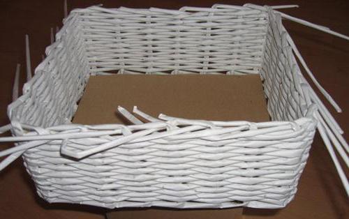 чем красить газетные трубочки для плетения в белый цвет