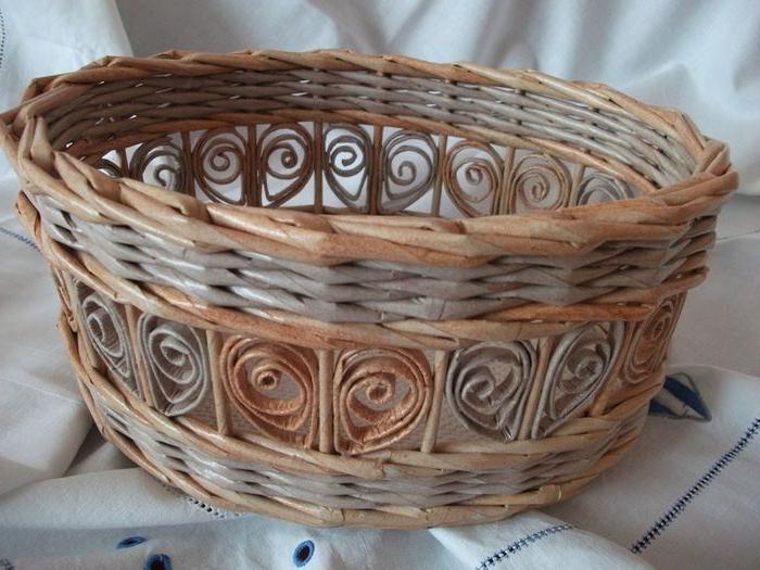 плетение из газетных трубочек корзина шахматка схема