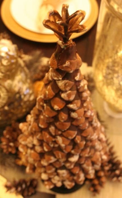Как сделать на новый год поделки из шишек лисичку и зайчика