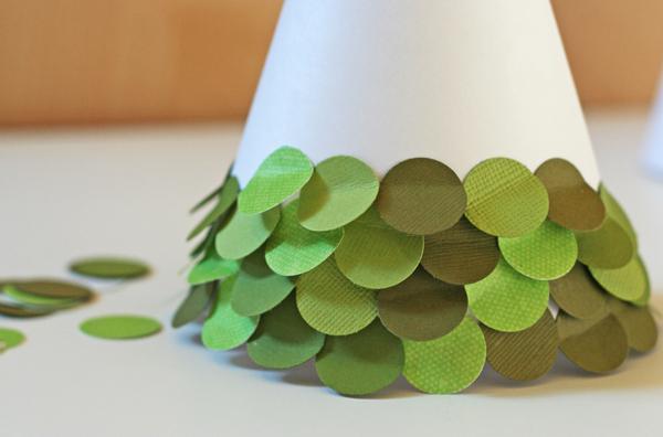 как сделать елку из картона и бумаги