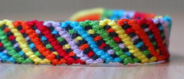 браслеты из шерстяных ниток
