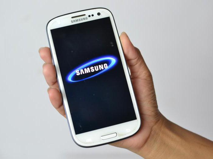 почему телефон сам выключается и включается самсунг