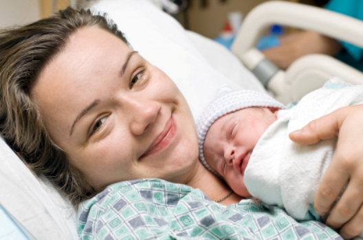 Материнство в РФ - правила установления