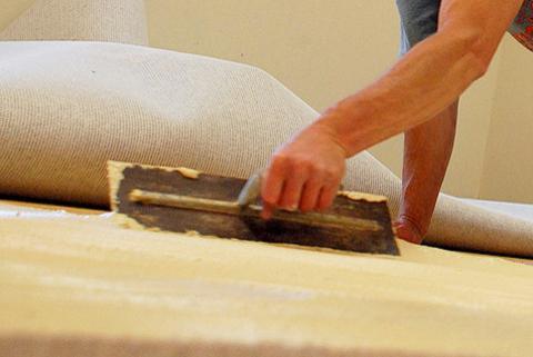 укладка линолеума на бетонный пол без клея