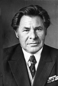Евгений Носов биография