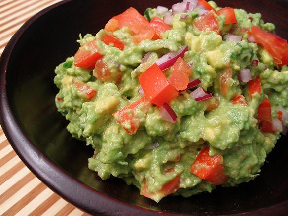 гуакамоле с чем едят