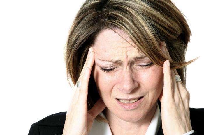 первые симптомы инсульта у женщин