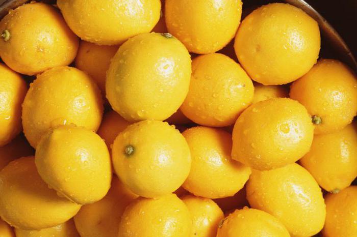 Фрукт со вкусом лимона