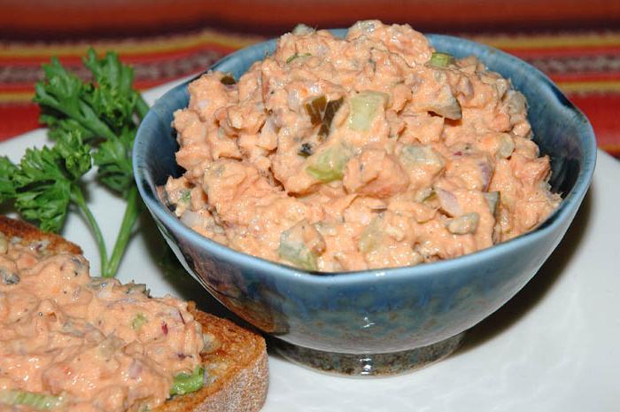 Салат из лосося слабосоленого