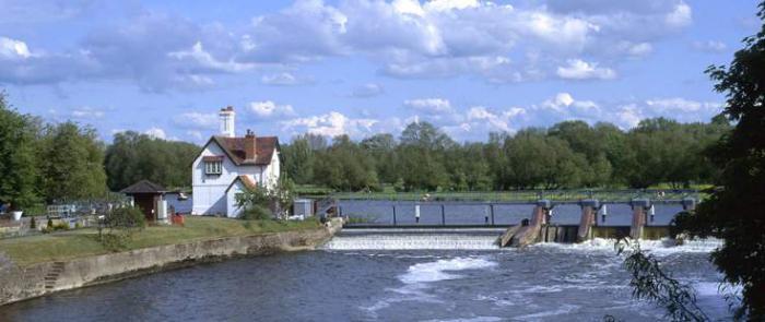 куда впадает Темза река