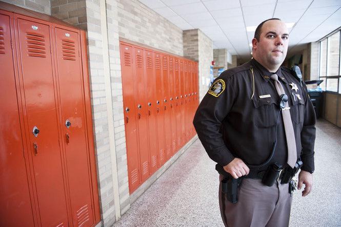 обязанности охранника в школе
