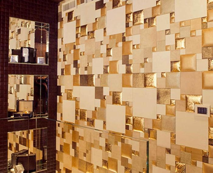 Эффектное оформление стены в гостиной
