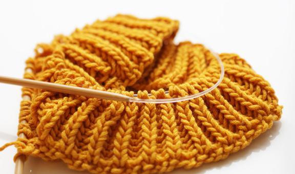 как закончить вязание шапки спицами