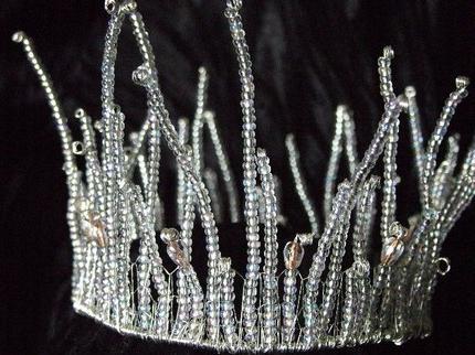 Красивая корона снежной королевы, своими руками изготовленная