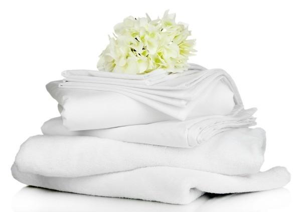 чем отбелить полинявшую белую вещь в домашних