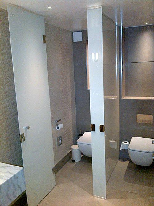 из чего построить стены ванны и туалета