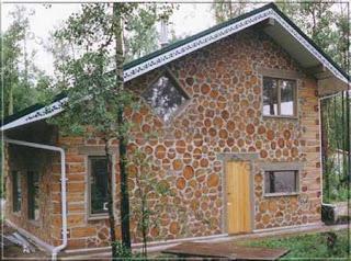 дома из глины и дров фото