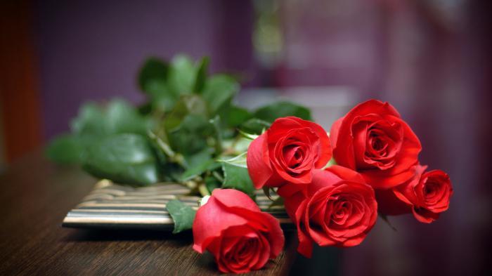Сколько дарить цветов на день рождения девушке