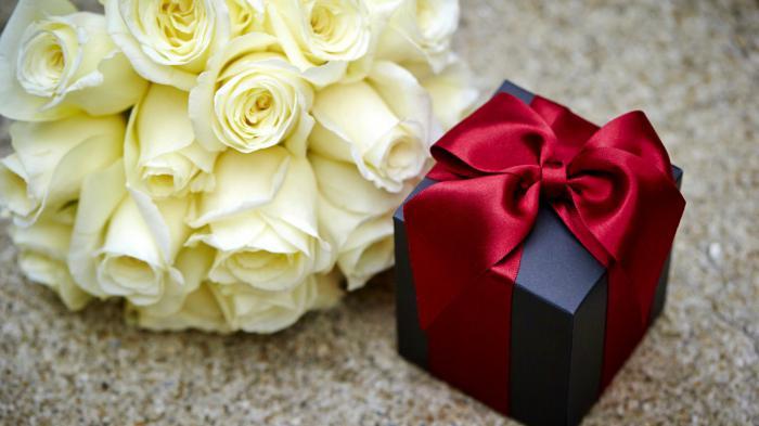 Сколько девушке надо дарить цветов