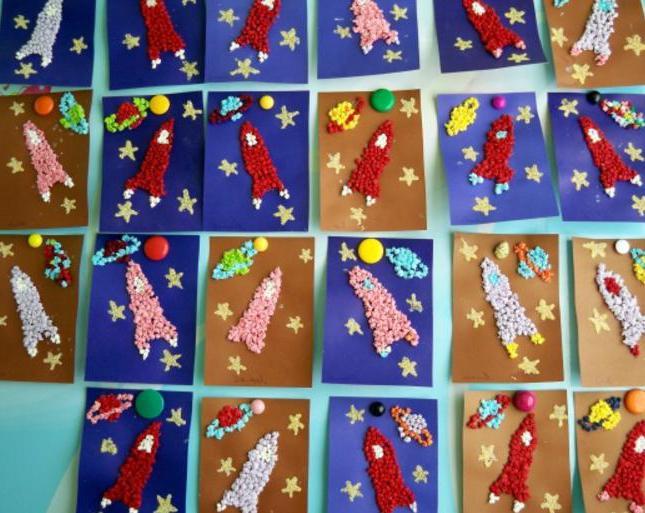 поделка ко дню космонавтики в детском саду