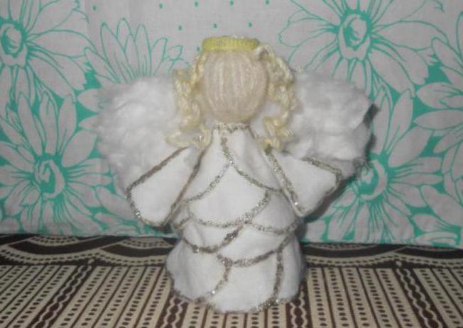 сделать ангелочка своими руками из ватных дисков