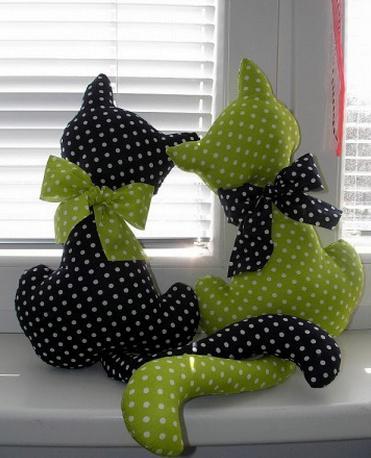 выкройки игрушек котов из ткани