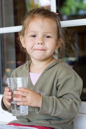 Если ребенок выпил уксус