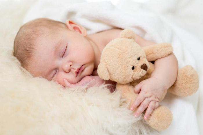 Месячный ребенок не спит