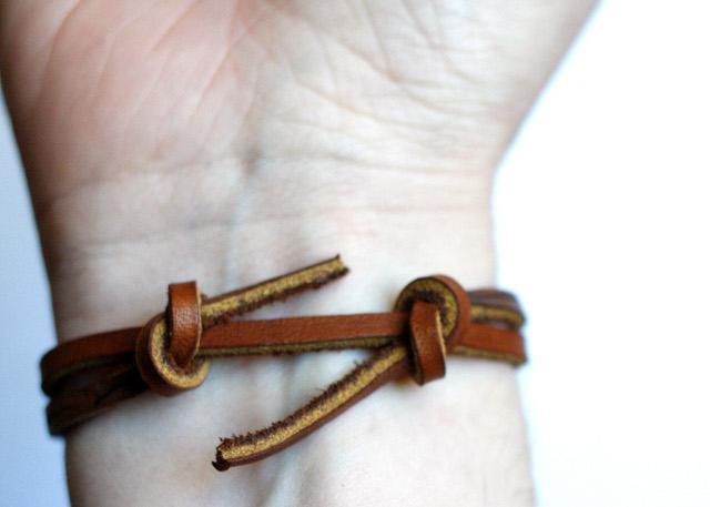 Самозатягивающийся узел для браслета