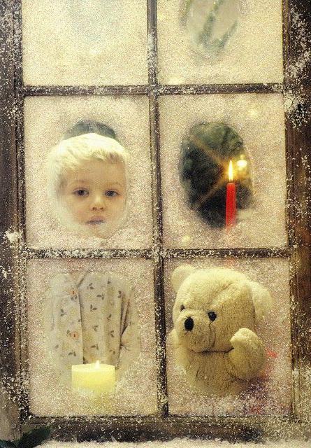 Морозный узор на окне