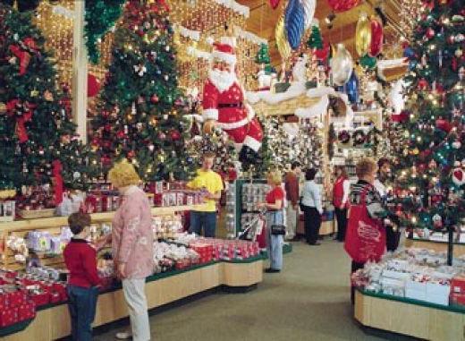 Новогоднее оформление торгового зала