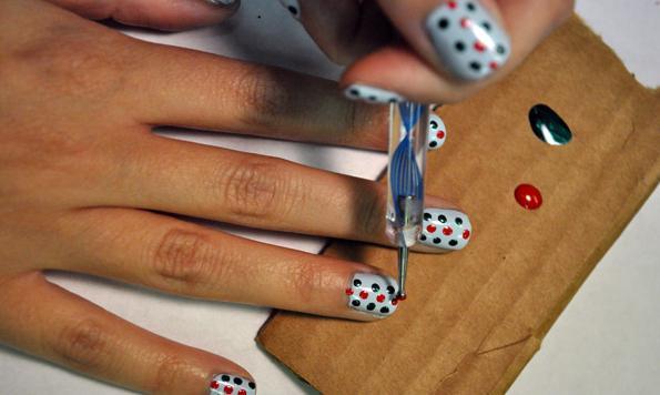 домашние рисунки на ногтях