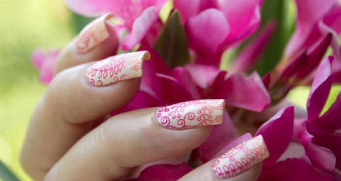 рисунки гелем на ногтях