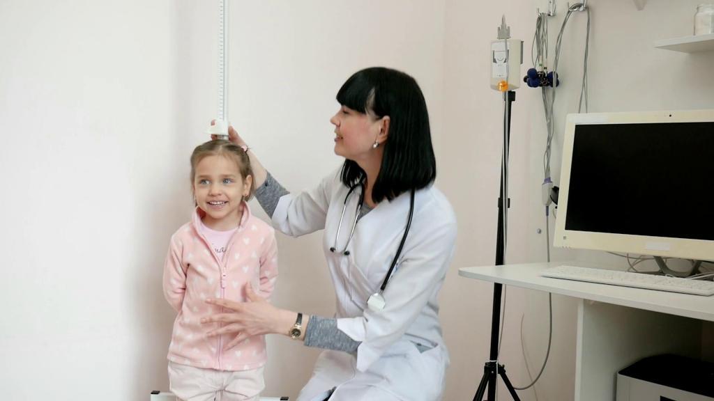 Медицинский осмотр детей в школах