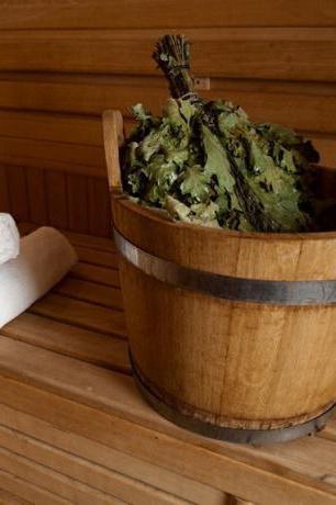 Как правильно замочить веник для бани
