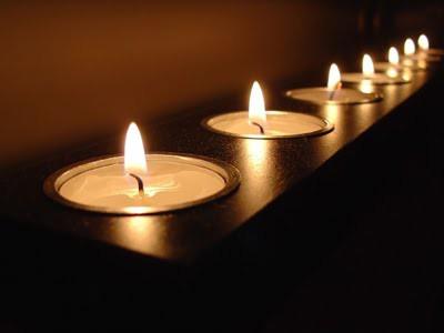 как почистить квартиру с помощью церковной свечи и соли