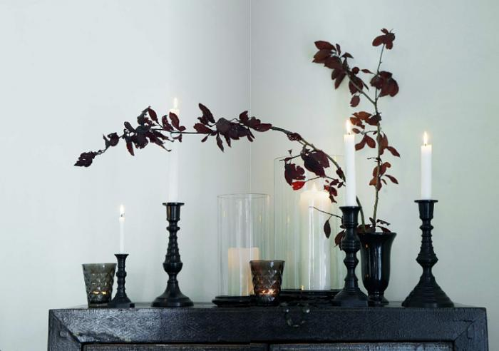 как почистить квартиру с помощью свечи и молитвы