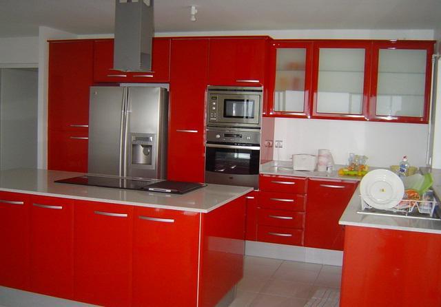 недорогие кухонные гарнитуры