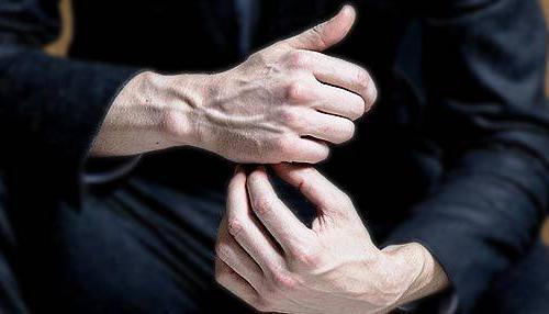 от чего вылезают вены на руках
