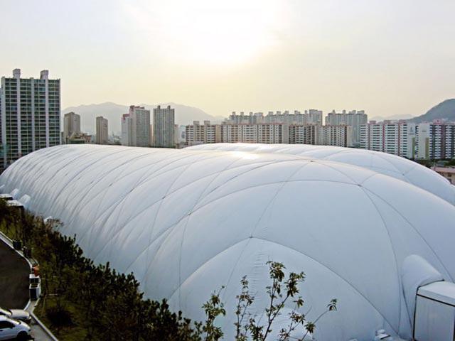 Возведение воздухоопорных сооружений на крыше