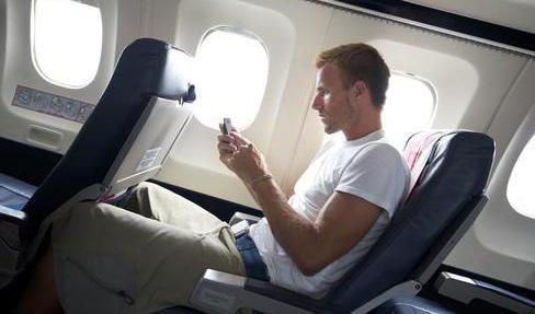 можно ли пользоваться мобильным телефоном в самолете