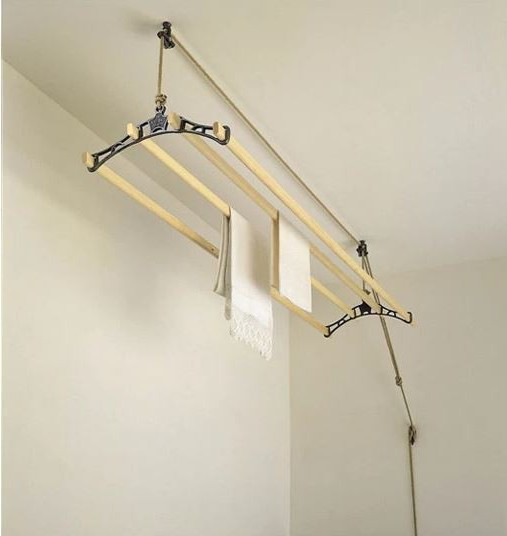Веревка для сушки белья на балконе