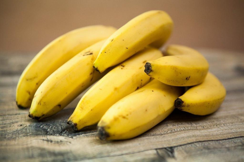 Бананы, запеченные с творогом: рецепт с описанием, особенности приготовления