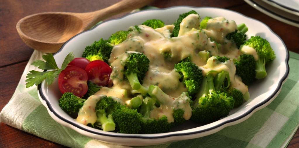 брокколи с сырным соусом