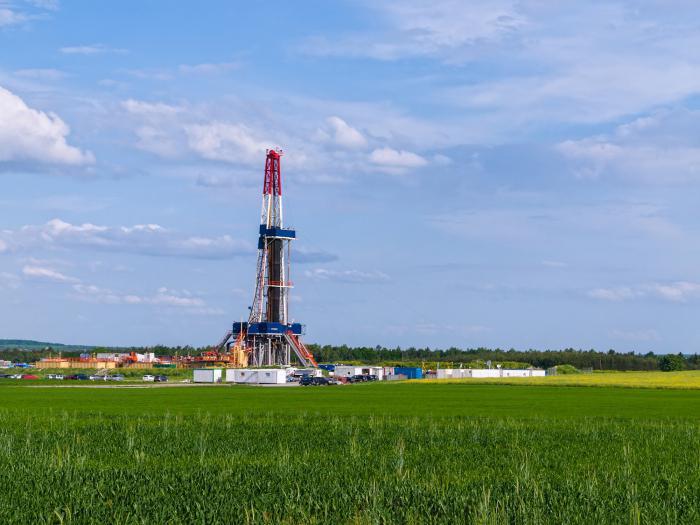 полезные ископаемые нефть