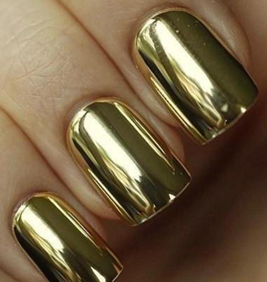 маникюр золотого цвета