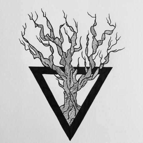 тату дерево в треугольнике значение