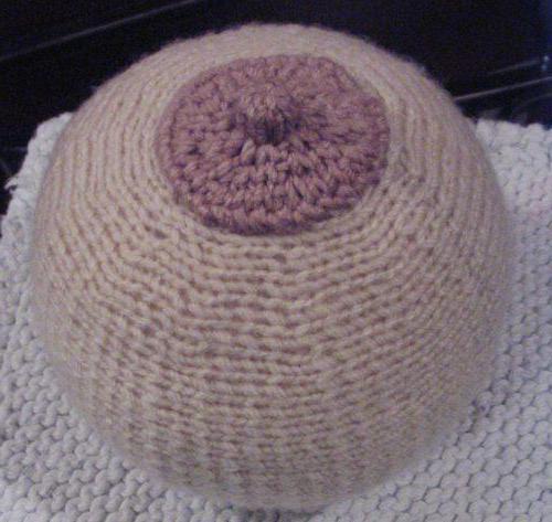 подушка в виде груди